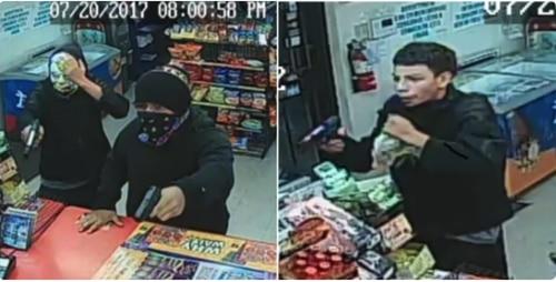 Las autoridades buscan a dos hombres que han atracado varias tiendas en Hurst. Foto cortesía del DEPARTAMENTO DE POLICÍA DE HURST