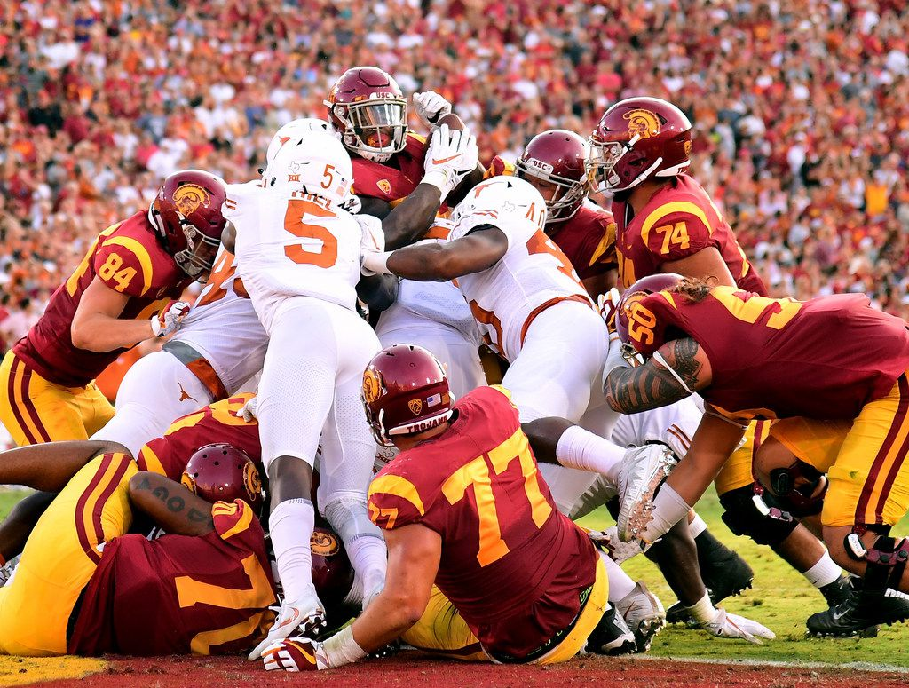 LOS ANGELES, CA - SEPTEMBER 16:  Ronald Jones II #25 of the USC Trojans is stopped by the Texas Longhorns defense at the goal line during the first quarter at Los Angeles Memorial Coliseum on September 16, 2017 in Los Angeles, California.  (Photo by Harry How/Getty Images) ***BESTPIX***