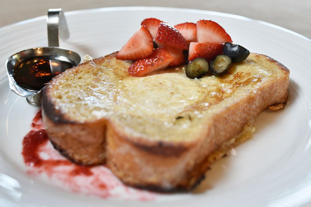 """French toast """"Toad in the Hole"""" from Ellie's restaurant, prepared at a test kitchen in west Dallas, Aug. 12, 2019. Ben Torres/Special Contributor"""