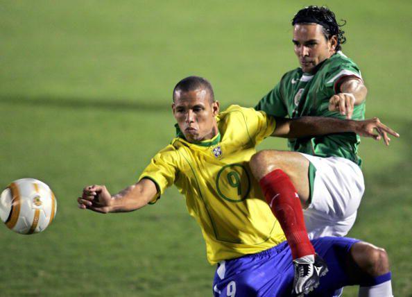 Duilio Davino fue defensa titular del Tri en los 90 y 2000. (Getty Images/Jonathan Daniel)