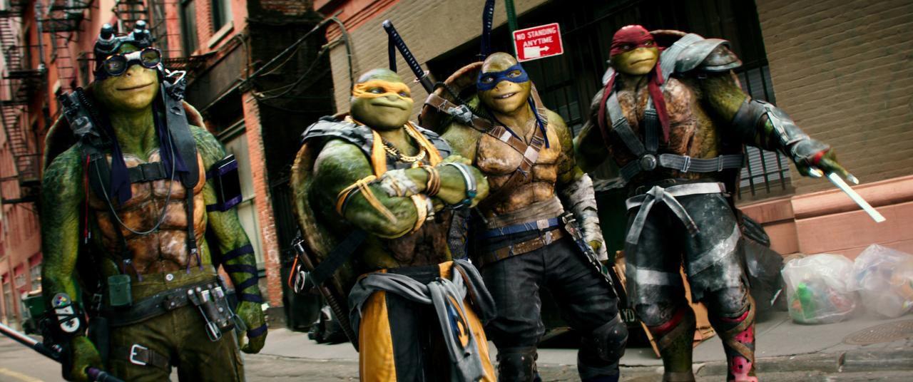 """Donatello, Michelangelo, Leonardo y Raphael en una escena de """"Teenage Mutant Ninja Turtles: Out of the Shadows"""". (AP/LULA CARVALHO)"""