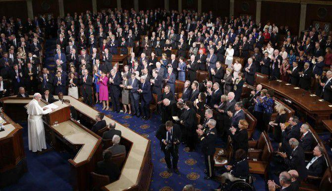 El papa Francisco durante su discurso ante una sesión conjunta del Congreso de Estados Unidos. Esta es la primera vez que un Pontífice habla ante el Capitolio. (AP/EVAN VUCCI)