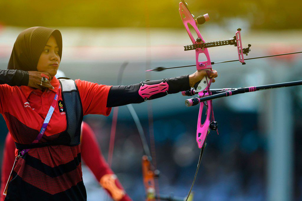 Indonesia's Diananda Choirunisa competes in the archery recurve women's individual final round against China's Zhang Xinyan at the 2018 Asian Games in Jakarta on Aug. 28, 2018