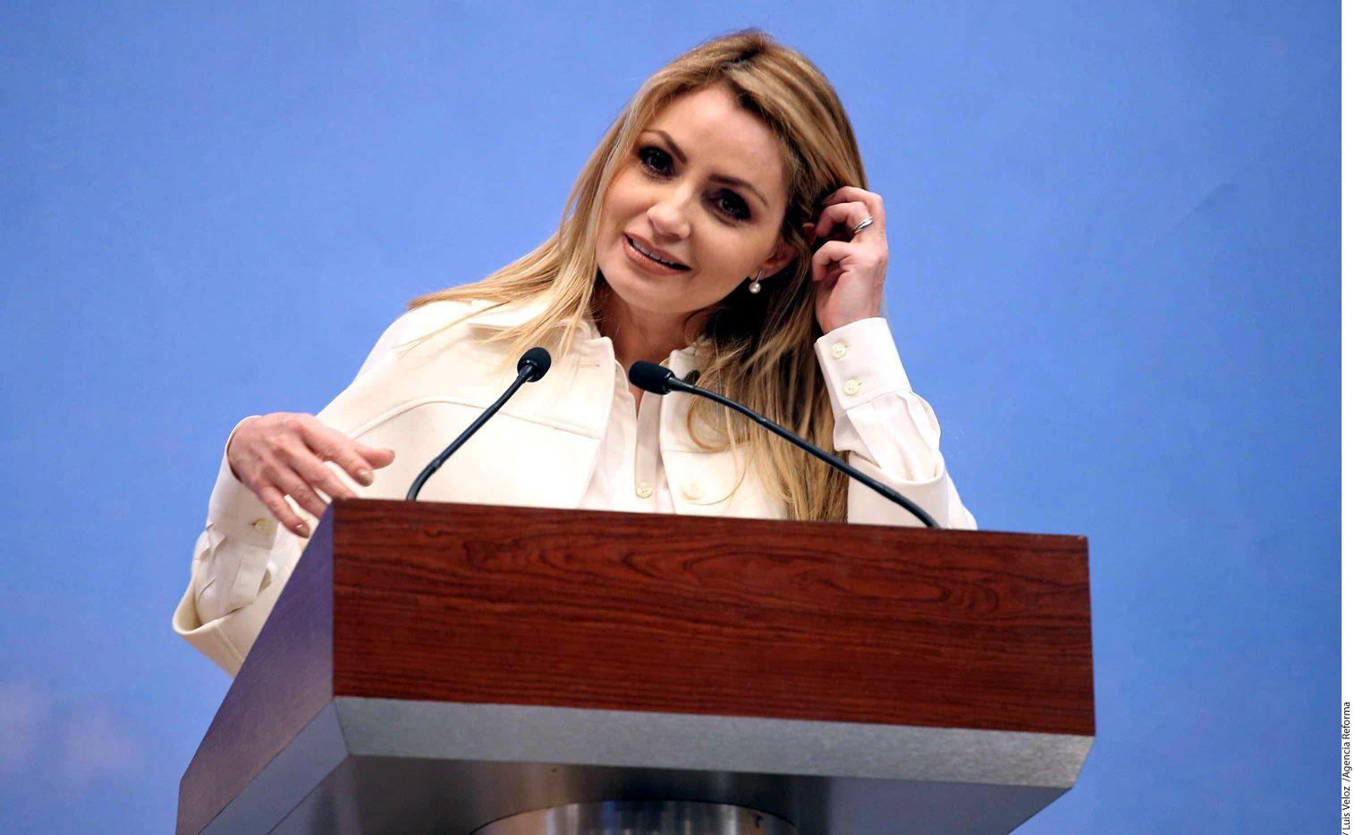 La Primera Dama, Angélica Rivera, usa un departamento en Florida comprado por una empresa que compite por contratos con el Gobierno mexicano.