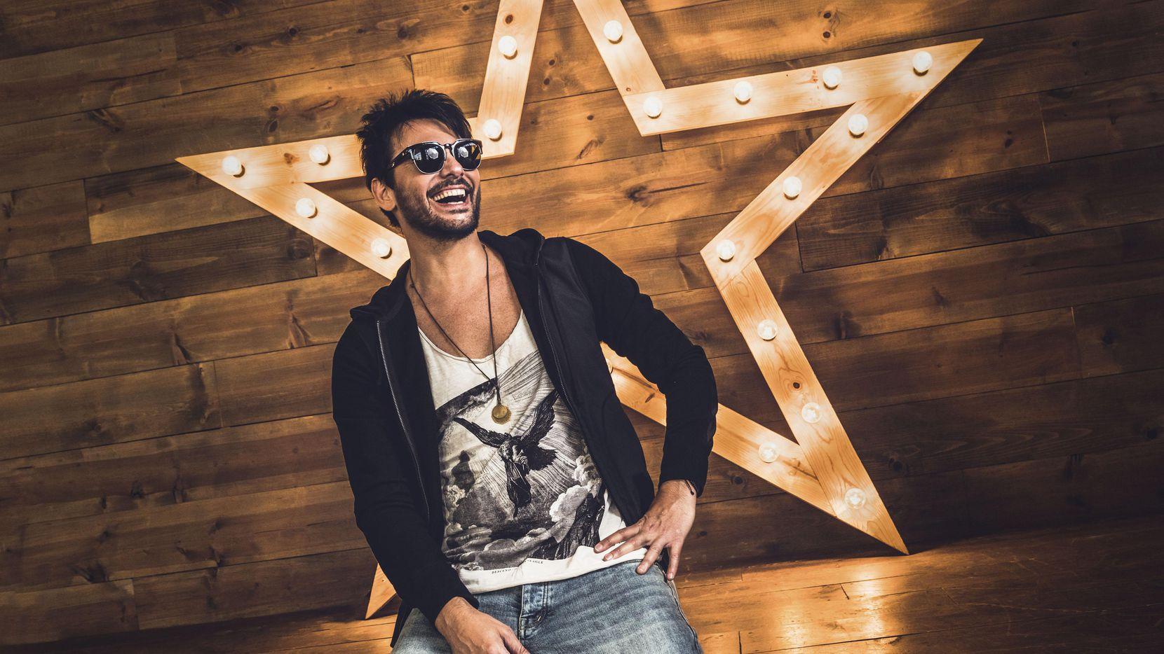 El ex vocalista de La Ley, Beto Cuevas, se presenta el jueves en Dallas. (CORTESÍA WARNER MUSIC/Omar Guerra)