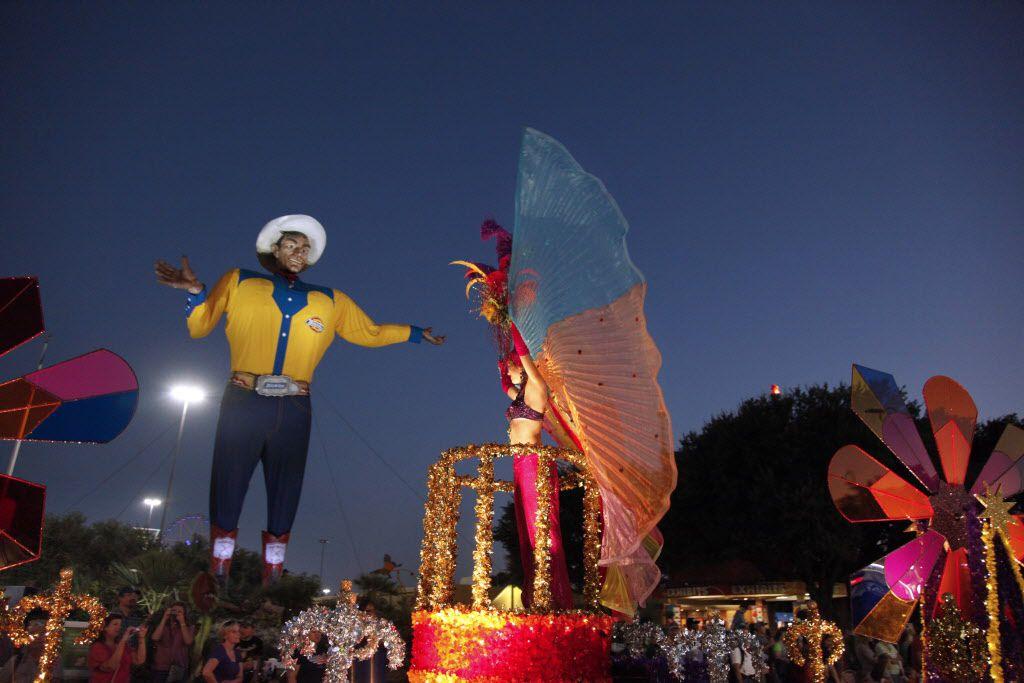 Big Tex at night in 2010