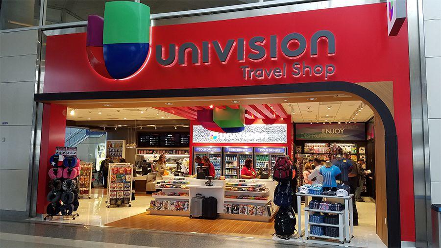 La tienda de viajes de Univision en el Aeropuerto Internacional DFW (CORTESÍA)