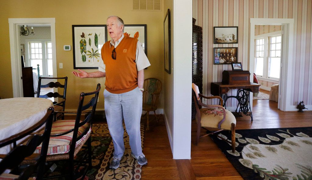 Pickens gave a tour of his boyhood home before it was moved to OSU.