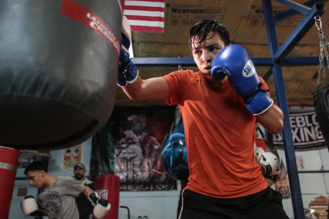 Jovany Carrillo durante una de sus sesiones de entrenamiento en Chuy's Boxing Club de Dallas.