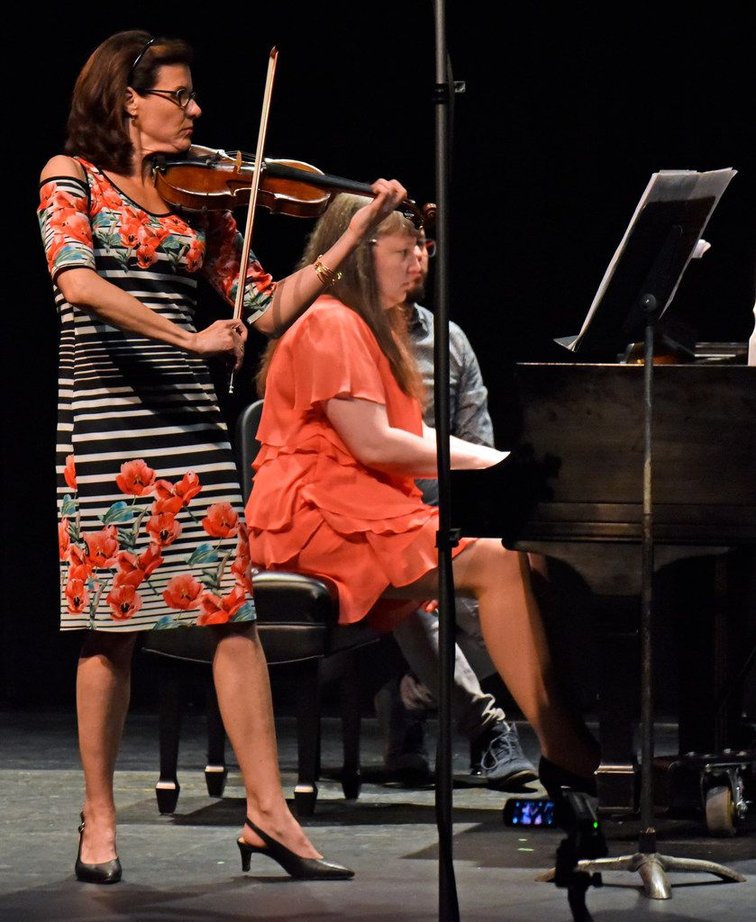 Maria Schleuning, violin, and Liudmila Georgievskaya, piano, perform Sonata No. 4 by Mozart Camargo Guarnieri, during a concert by Voices of Change, on Saturday evening, May 19, 2018, at the Latino Cultural Center in Dallas.