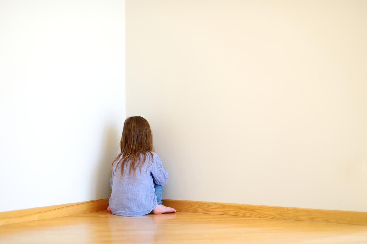 Niños retirados del cuidado de sus padres por abuso o negligencia, necesitan representación en las cortes. Foto: GETTY IMAGES