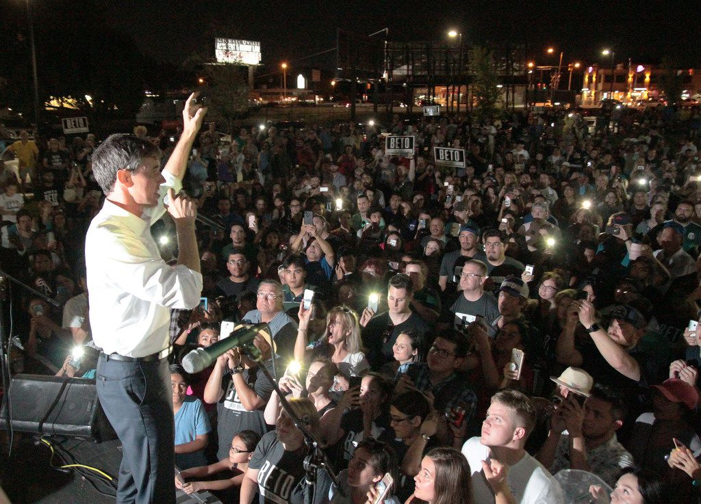 Beto O'Rourke speaks about immigration and health care reform to supporters at Musica con Beto, a rally held on Aug. 26, 2018 at the Americado, a Mexican bar/restaurant in Fort Worth. (Ian McVea/Fort Worth Star-Telegram/TNS)
