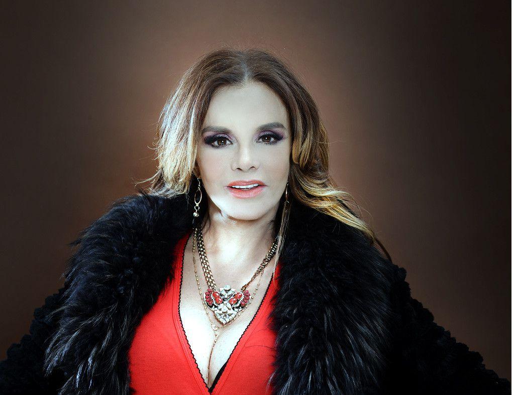 Lucía Méndez sabe lo que ha conseguido y lo que le ha costado, por lo que celebrará su cumpleaños 63 en el Lunario del Auditorio Nacional este viernes con un concierto especial./ AGENCIA REFORMA
