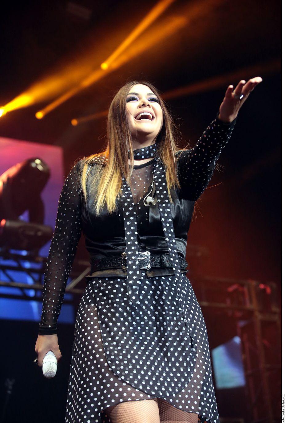 Yuridia en concierto en la Ciudad de México. Foto Agencia Reforma