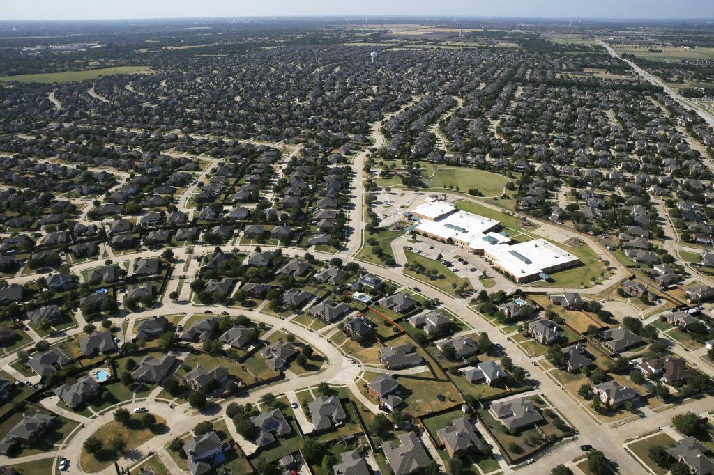 Murphy is one of several Collin County cities that have seen their populations swell in recent years — but it's also one of many suburbs that aren't members of a public transit agency.