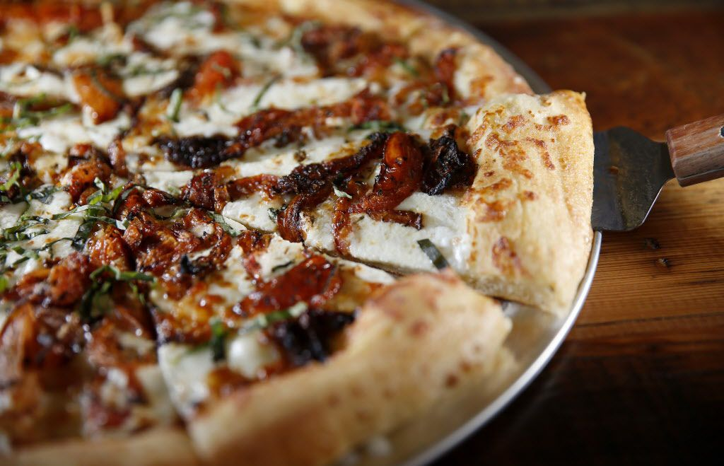 Margherita Pizza at Rock & Brews in The Colony, Texas, Tuesday, March 8, 2016. (Jae S. Lee/The Dallas Morning News)