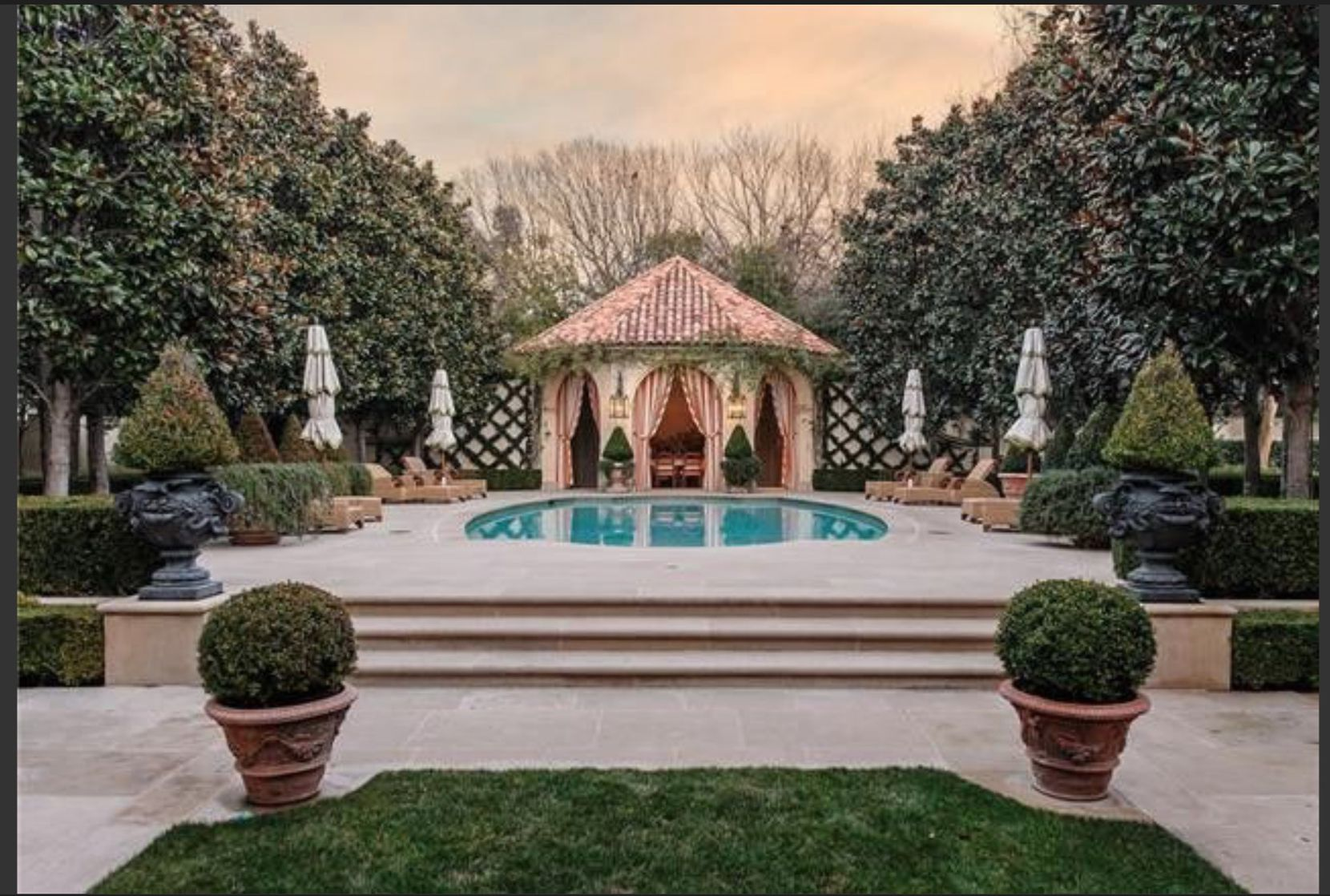 The Preston Hollow house is on a 1-acre lot.