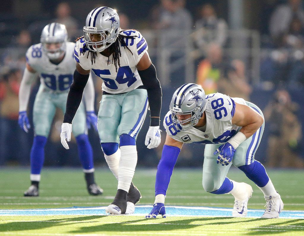 Dallas Cowboys middle linebacker Jaylon Smith (54) and defensive tackle Tyrone Crawford (98) line up against the Washington Redskins during the second quarter at AT&T Stadium in Arlington, Texas, Thursday, November 22, 2018. (Tom Fox/The Dallas Morning News)