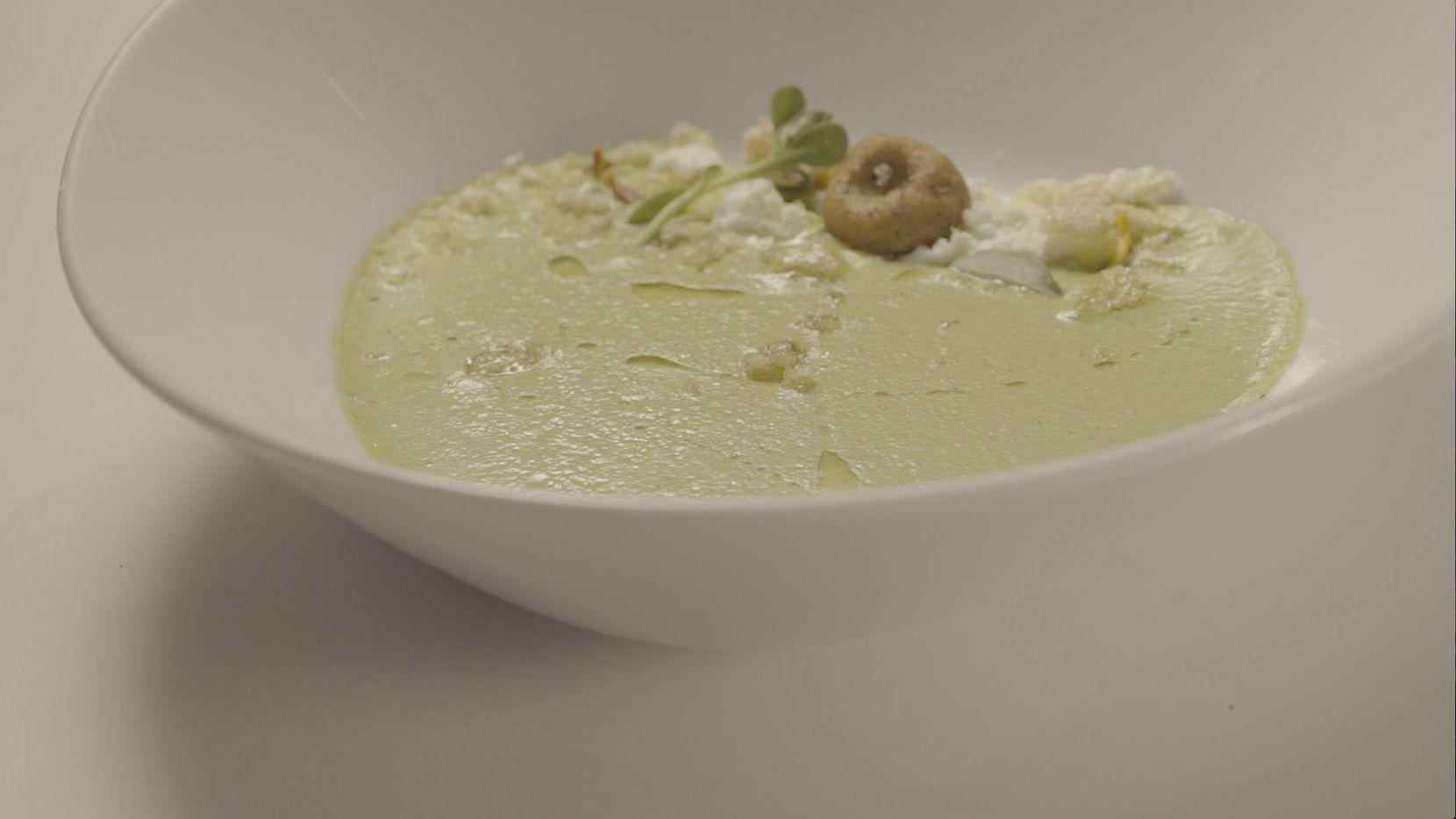 Receta de crema de chile poblano de Adria Marina, de Top Chef México