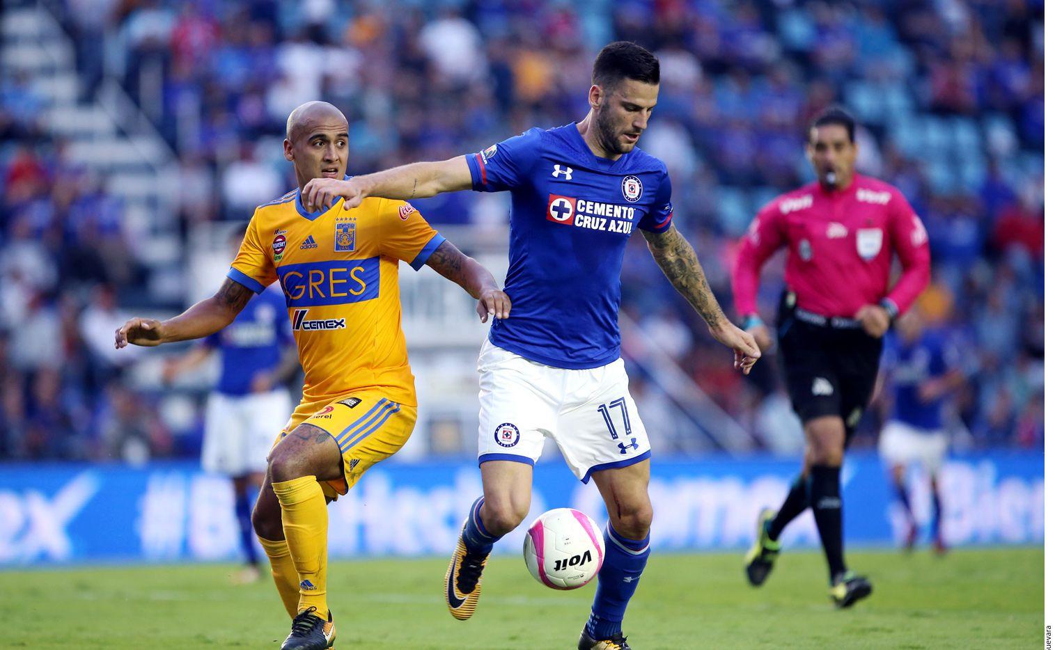Complica Cruz Azul el boleto a la liguilla pero aún podría clasificarse en la última fecha del Apertura MX. Foto AGENCIA REFORMA