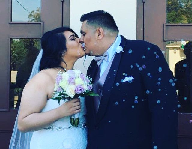 Juanita Sánchez y Félix Aguirre lograron cumplir su sueño de casarse por la iglesia luego de que el novio se sometiera a una operación que le salvó la vida. Foto: Cortesía familia Aguirre Sánchez