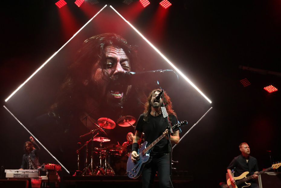 Dave Grohl and the Foo Fighters played for nearly three hours at Dallas' newly-named Dos Equis Pavilion (formerly Starplex).