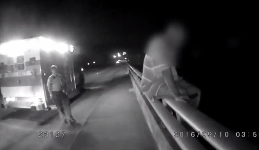 Odio a los Dallas Cowboys /Screencap of the officer's body cam footage