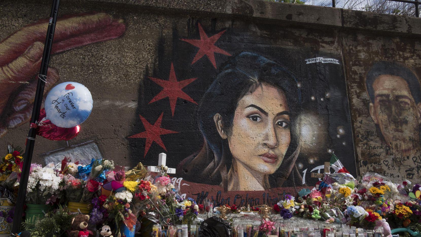Un mural de Marlen Ochoa-López fue pintado en Chicago para honrar la memoria de la madre cuyo hijo fue arrancado de su vientre.(AP)