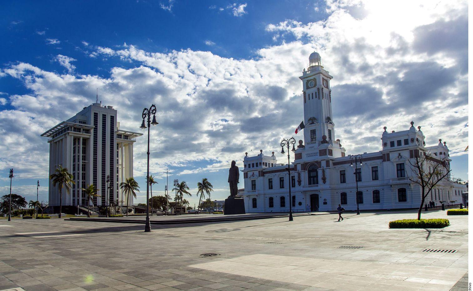 Ubicado en el Puerto de Veracruz, el faro carranza data de principios del siglo pasado. Su construcción inició en 1902 y se inauguró en 1910, por Porfirio Díaz./ AGENCIA REFORMA