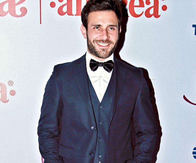 Carlos Ferro es uno de los protagonistas de la telenovela  ' Caer en Tentación'. / AGENCIA REFORMA