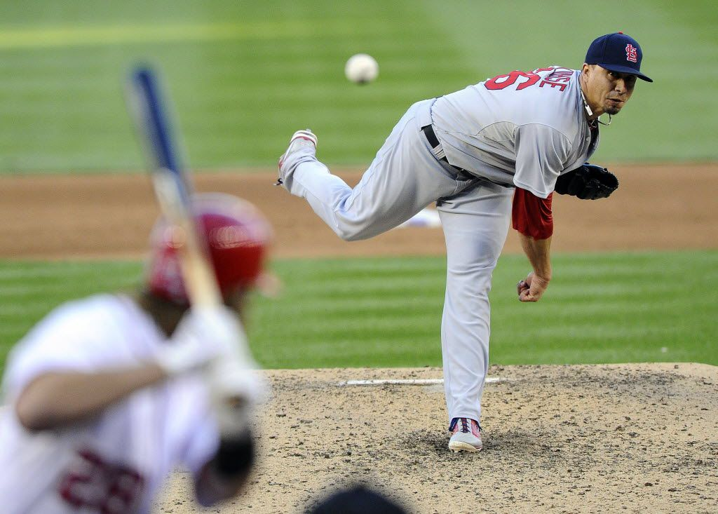 Oct 11, 2012; Washington, DC, USA; St. Louis Cardinals starting pitcher Kyle Lohse (26) throws during the sixth inning of game four of the 2012 NLDS against the Washington Nationals at Nationals Park. Mandatory Credit: Brad Mills-USA TODAY Sports  03042013xSPORTS