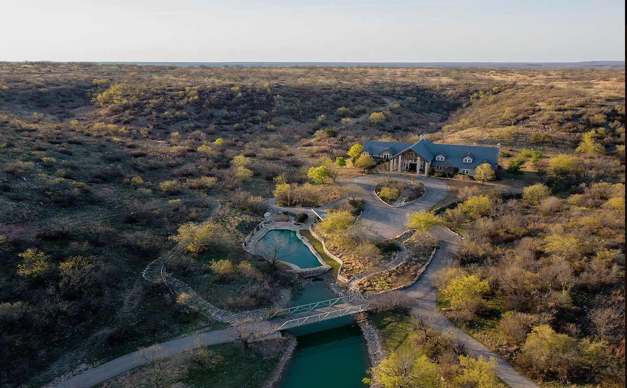 The ranch northwest of Fort Worth is on almost 3,300 acres.