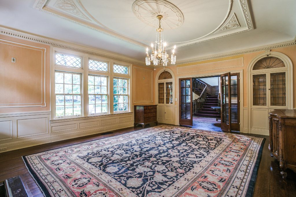 Intricate molding and ceiling work in the home at 3905 Beverly Drive in Highland Park. Owned by Sam Wyly, it was listed for sale for $12.5 million.