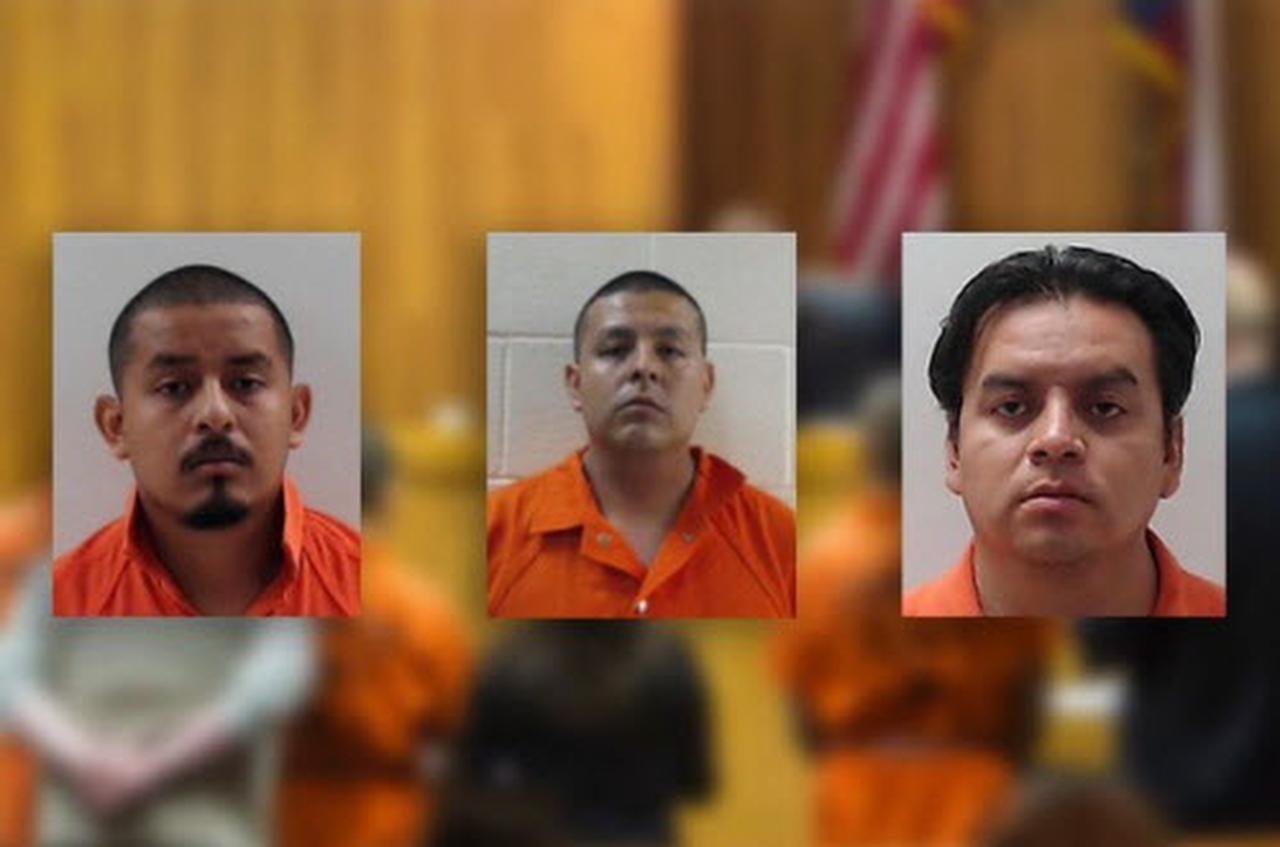 Los hermanos Eduardo, Joel y Fernando Luna están acusados de homicidio capital por el decapitamiento de un hondureño. Joel trabajaba para la Patrulla Fronteriza. (AP/AP)