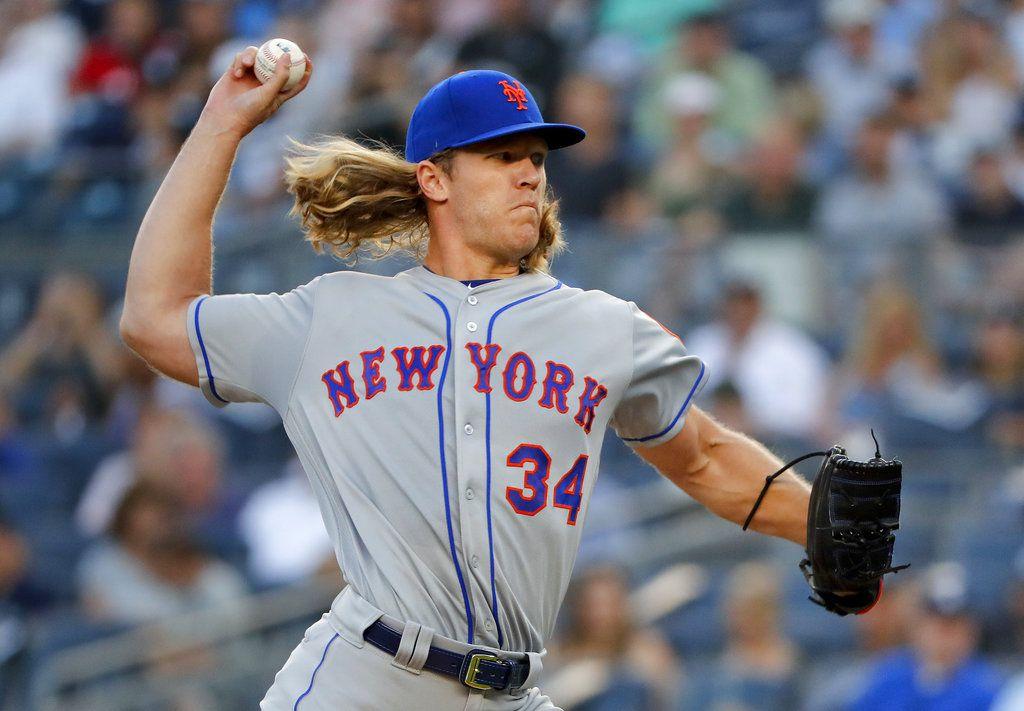 Noah Syndergaard de los Mets de Nueva York lanza ante los Yanquis de Nueva York, el viernes 20 de julio de 2018. (AP Foto/Julie Jacobson)