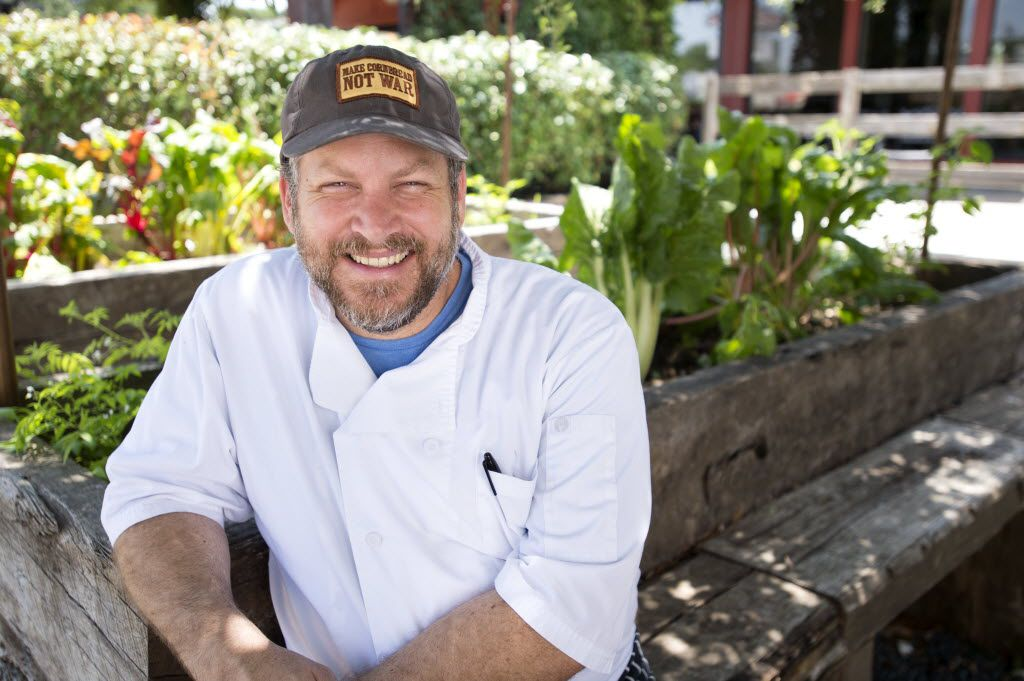 Chef Graham Dodds is partnering with a California restaurateur and an actress on 'Days of our Lives' to open The Mayor's House in his neighborhood of Oak Cliff.