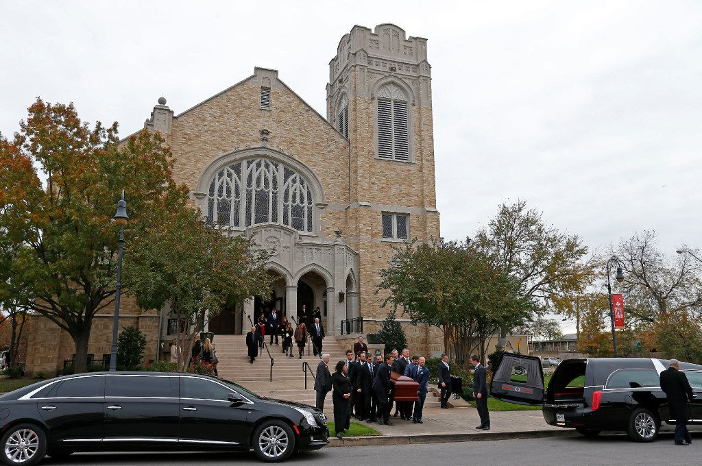 Pallbearers carried the casket of Brian Loncar after the well-known attorey's funeral on Friday. (Jae S. Lee/Staff Photographer)