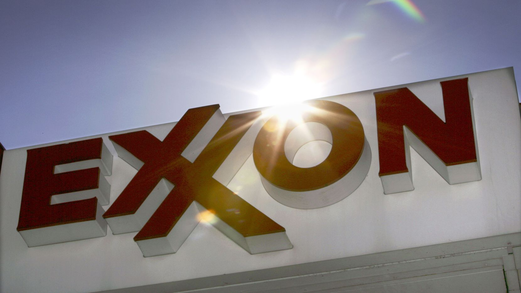 FILE - This Oct. 26, 2006, file photo shows an Exxon logo at a gas station in Dallas. Exxon Mobil said Thursday, April 26, 2012, that it earned $9.45 billion, or $2 per share, in the first quarter, down from $10.7 billion, or $2.14, a year earlier. Revenue rose 8.8 percent to $124.1 billion. (AP Photo/LM Otero, File) 04272012xBIZ 06102012xNEWS 05162013xBIZ 05172013xBIZ 05182013xBIZ