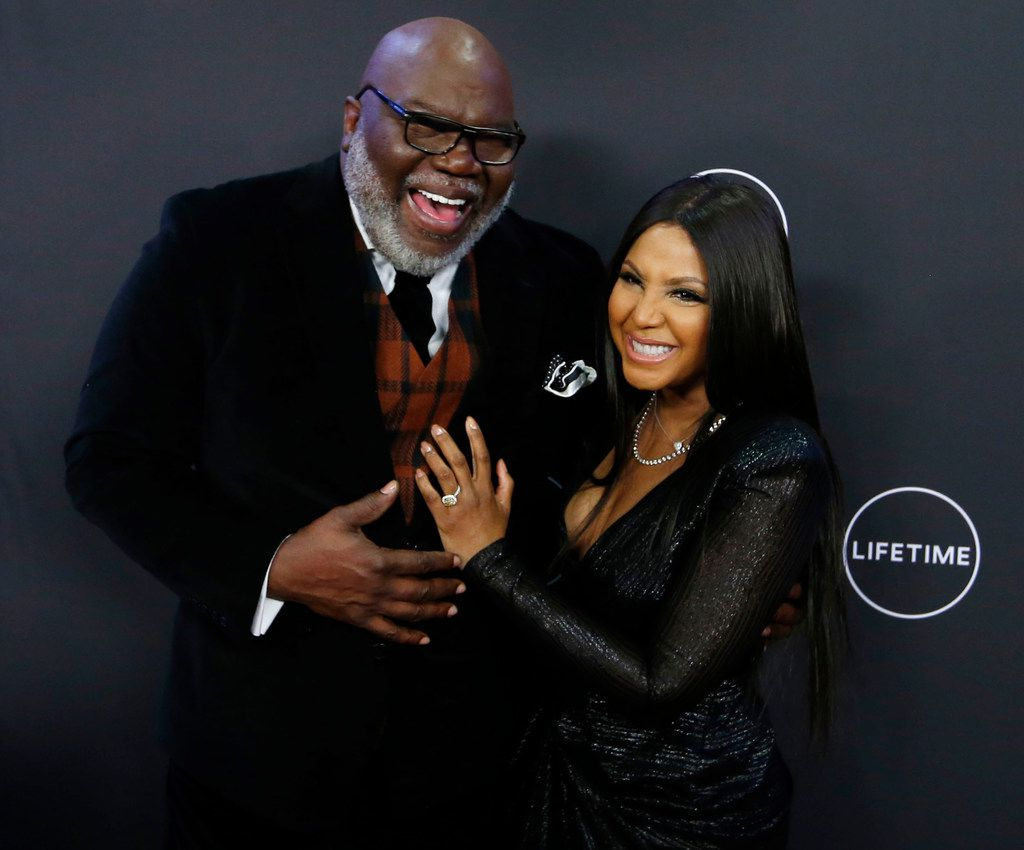 T D  Jakes and Toni Braxton walk red carpet in Dallas for