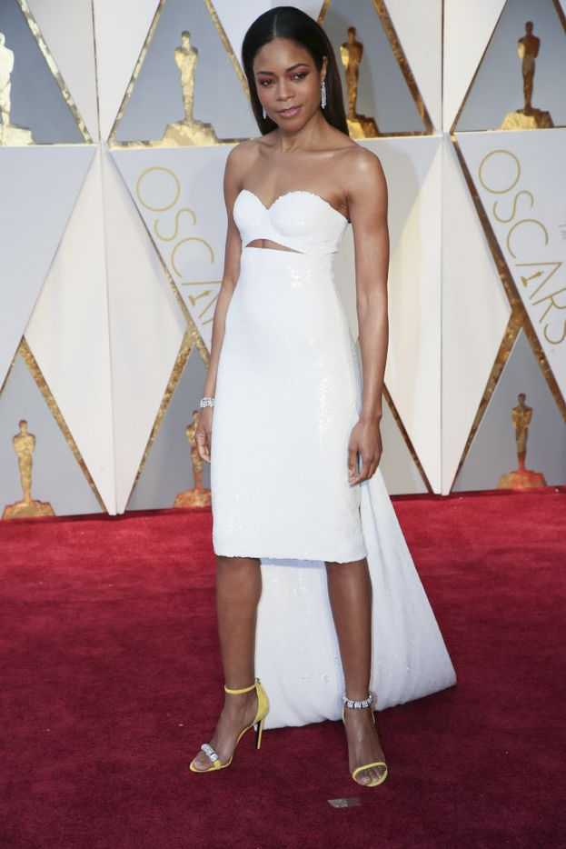 Naomie Harris on the red carpet before the 89th Academy Awards at the Dolby Theatre in Los Angeles, Feb. 26, 2017. (Noel West/The New York Times)
