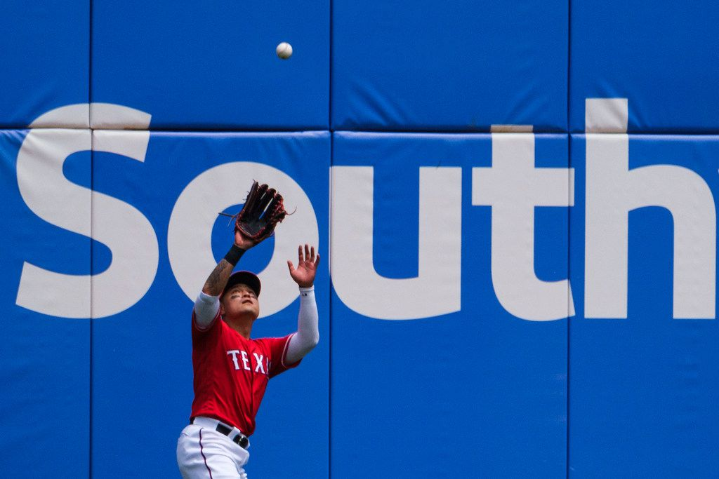 Texas Rangers right fielder Shin-Soo Choo makes a catch on a fly ball off the bat of Seattle Mariners designated hitter Daniel Vogelbach during the sixth inning at Globe Life Park on Wednesday, May 22, 2019, in Arlington. (Smiley N. Pool/The Dallas Morning News)