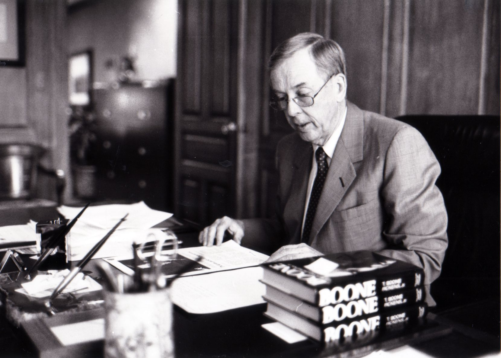 Pickens was photographed in his Amarillo office in 2005 for a High Profile piece in The News..