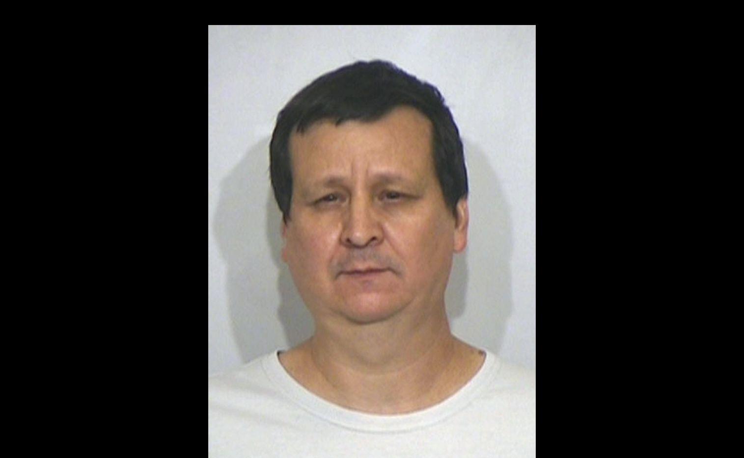 Fotografía de Edmund Charles Barrera, 51, cuando fue fichado en mayo 2018. (Cortesía: Irving PD).
