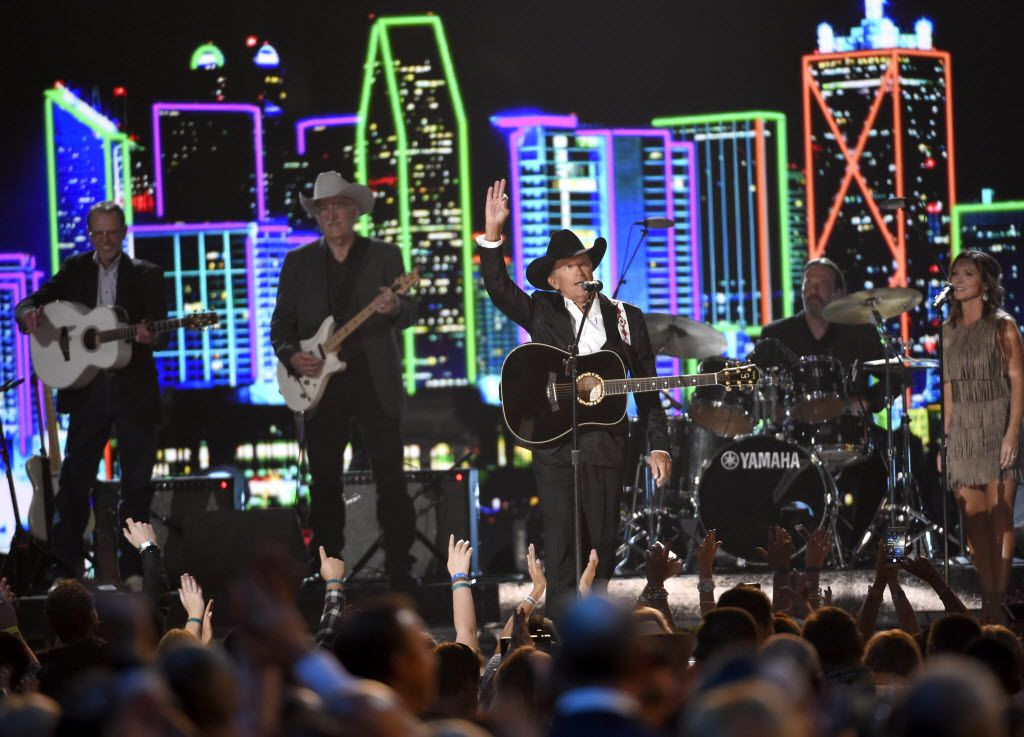 Milestone honoree George Strait performs at the 50th annual Academy of Country Music Awards at AT&T Stadium on Sunday, April 19, 2015, in Arlington, Texas. (Photo by Chris Pizzello/Invision/AP) 04202015xMETRO