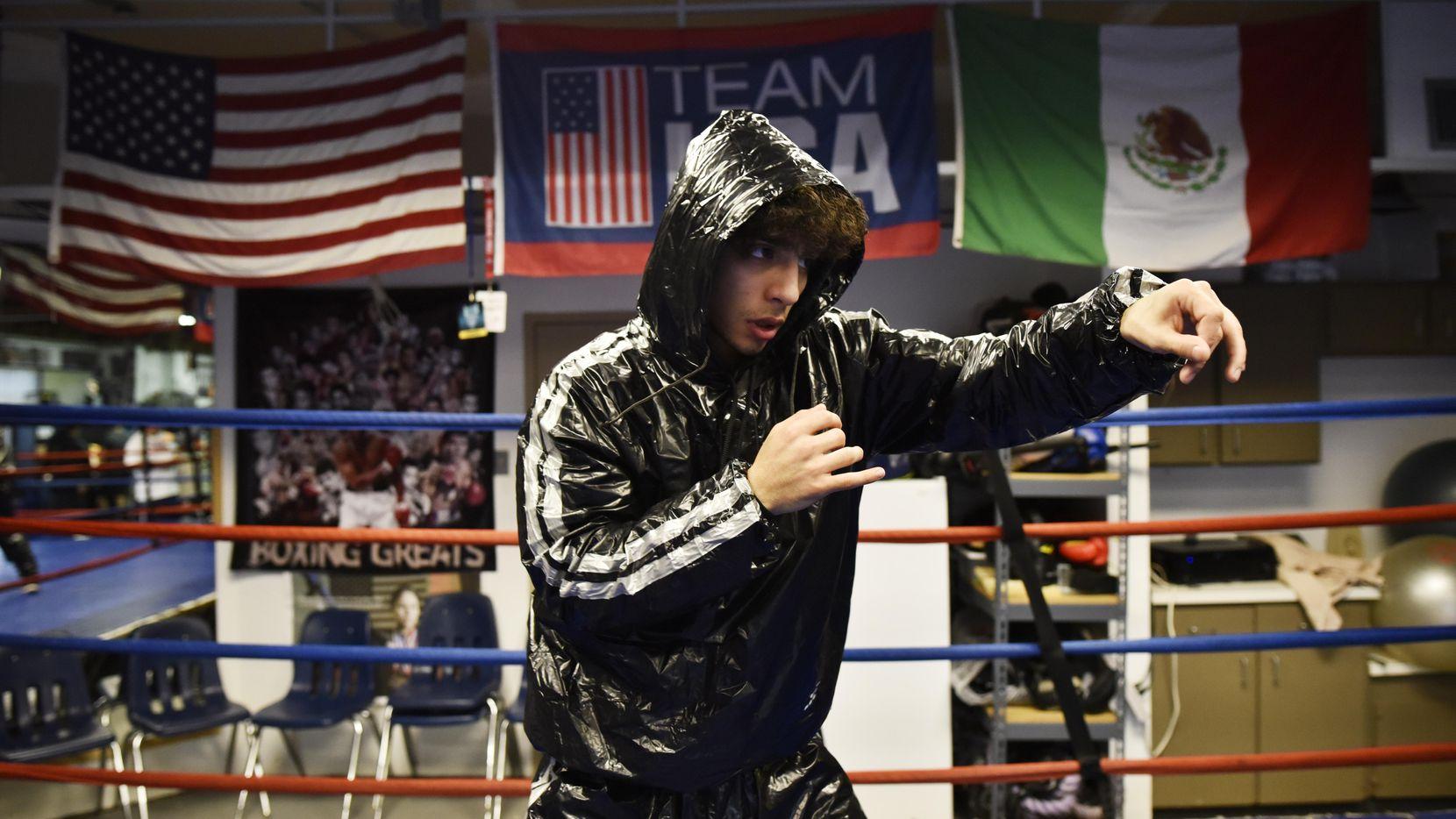 Jaycob Ramos es uno de los boxeadores de Dallas que buscará su pase a los Golden Gloves of America. Foto Ben Torres para Al Día