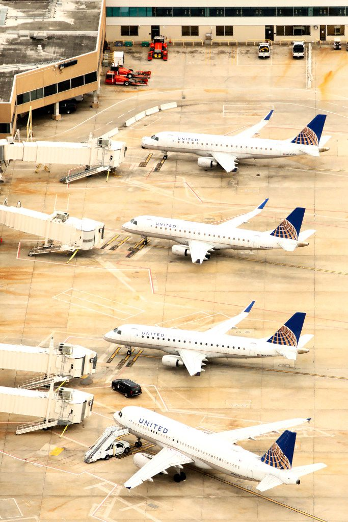 United Airlines idled planes at George Bush Intercontinental Airport in Houston. (Tom Fox/The Dallas Morning News)