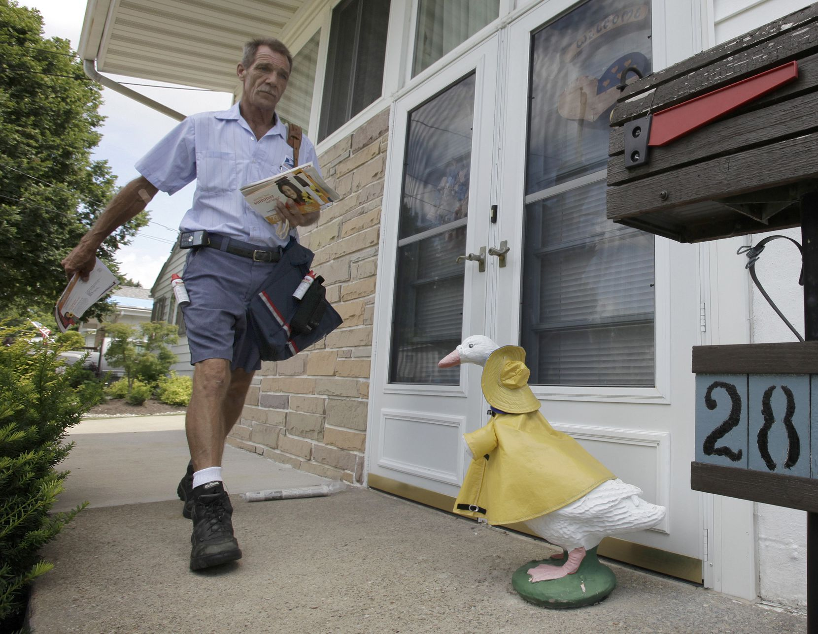 If it quacks like a duck ... Informed Delivery is a new USPS program that led to identity theft for a Grapevine man.