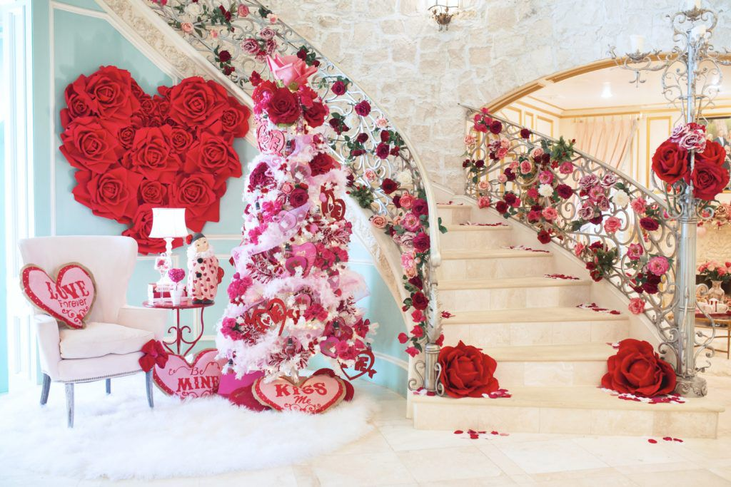 Jennifer Houghton's home on Lovers Lane in Dallas is a Valentine's Day wonderland.