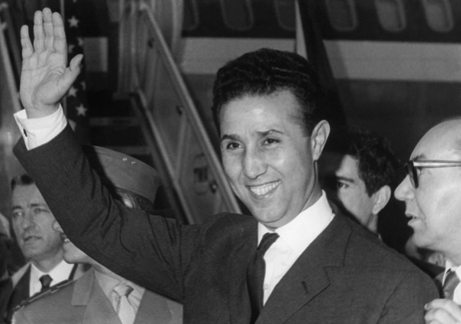 Algerian president Ahmed Ben Bella was received at the White House in 1962 by President John F. Kennedy and, afterward, carried a private message to Fidel Castro that said the U.S. knew about Soviet missile installations in Cuba.