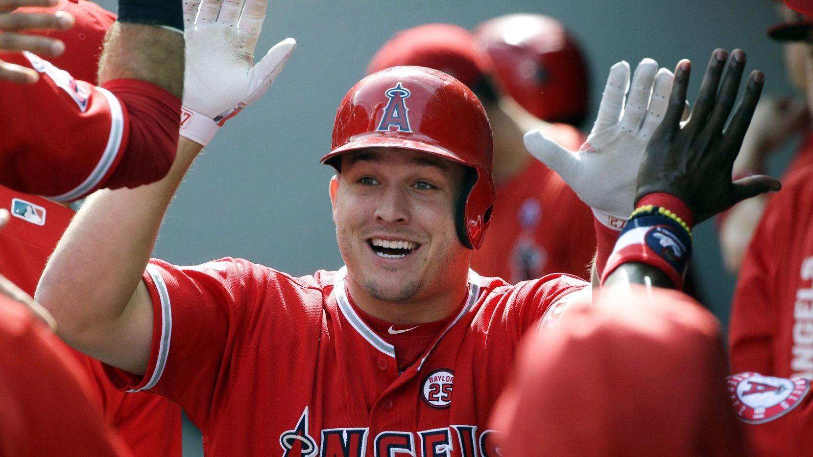 Mike Trout negocia un contrato por 12 años con los Angels de Los Angeles.(AP)
